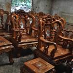 Bộ bàn ghế sa lông này được chúng tôi làm từ gỗ hương, gỗ cẩm lai hoặc gỗ đỏ, tạo sự sang trọng độc đáo và giá trị cho ngôi nhà của bạn !.